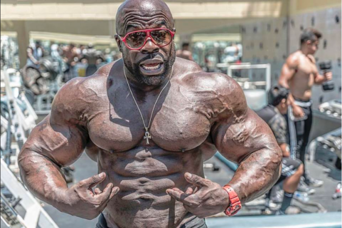 """Le muscle kali prend-il des stéroïdes ou est-il naturel """"width ="""" 700 """"height ="""" 466"""