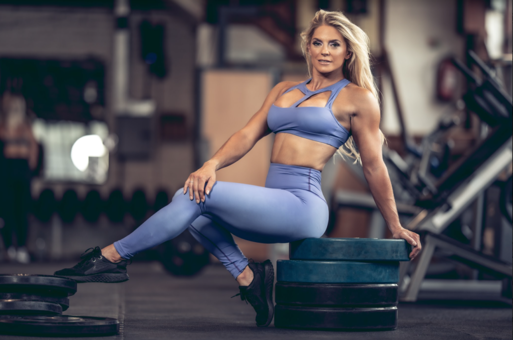 Claire Aves - Figurine IFBB Pro